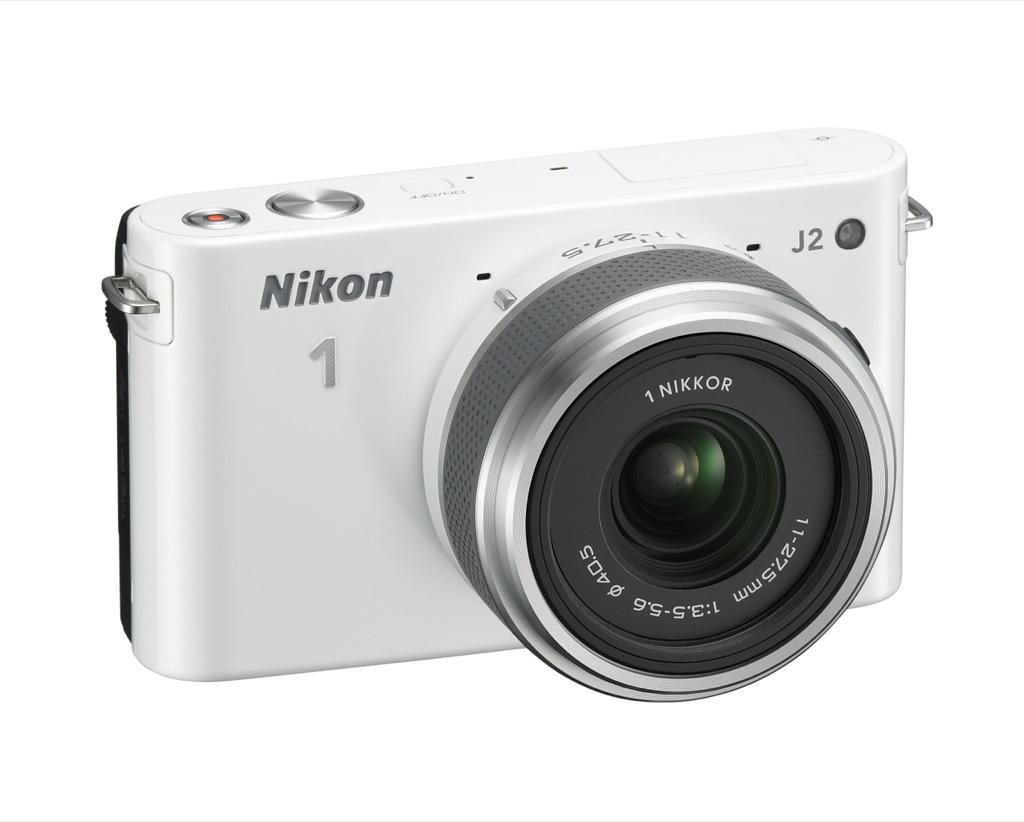 La gamma di fotocamere compatte ad ottiche intercambiabili più venduta in Europa compie un ulteriore passo avanti: ecco la Nikon 1 J2