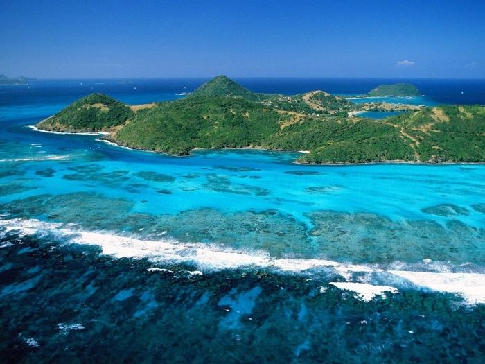 L'arcipelago caraibico di St Vincent e Grenadine offre il meglio per trascorrere delle vacanze all'insegna dello sport, del divertimento e del relax