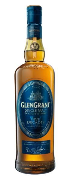 Il mastro distillatore Glen Grant celebra il 50° anniversario. Dennis Malcolm raggiunge il traguardo del mezzo secolo trascorso con l'icona del distillato scozzese