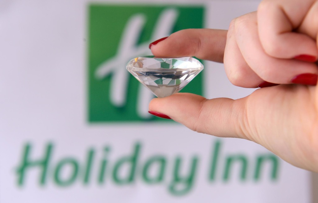 Un diamante per i 60 anni di Holiday Inn