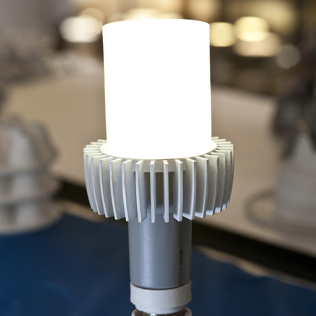 Cree migliora gli standard del settore con un nuovo prototipo di lampadina a LED da 170 lumen per watt