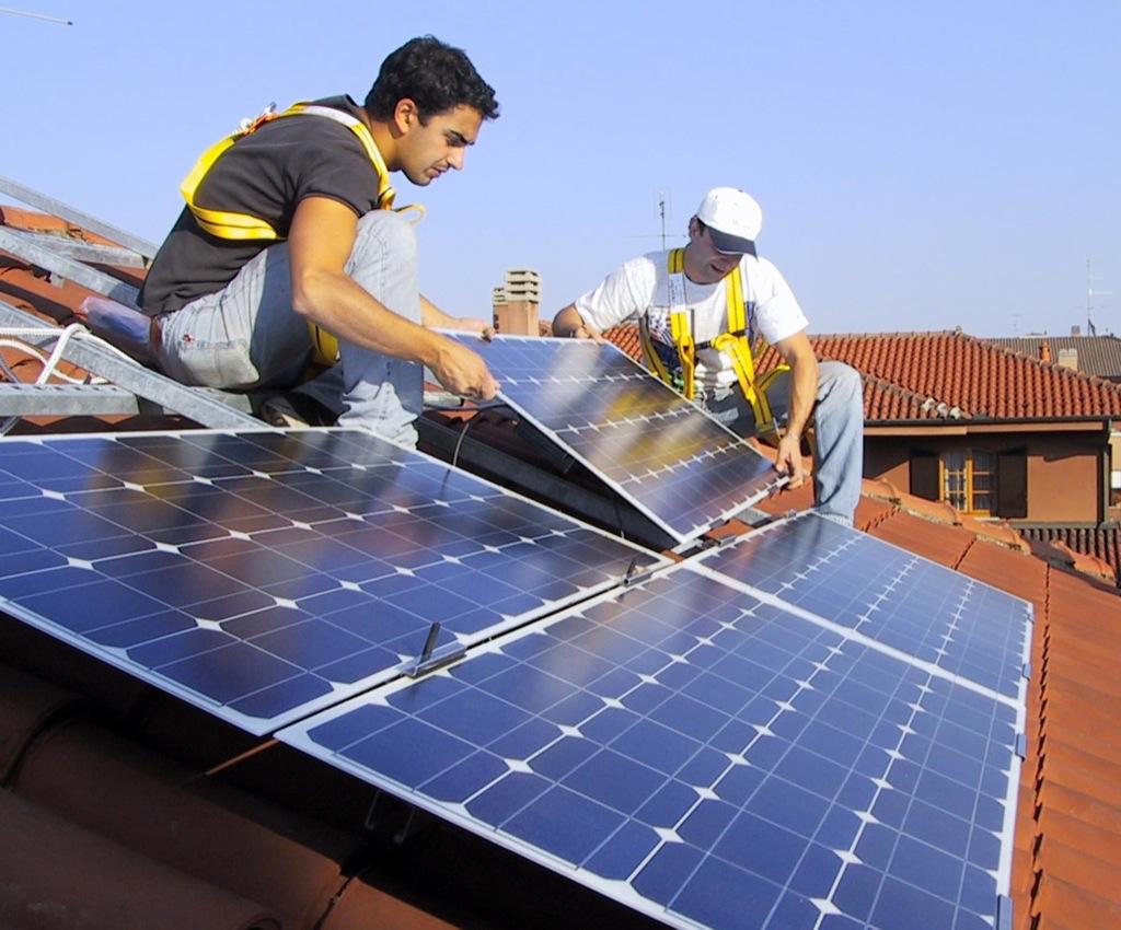 Fotovoltaico, allarme occupazione: oltre 6 mila posti a rischio