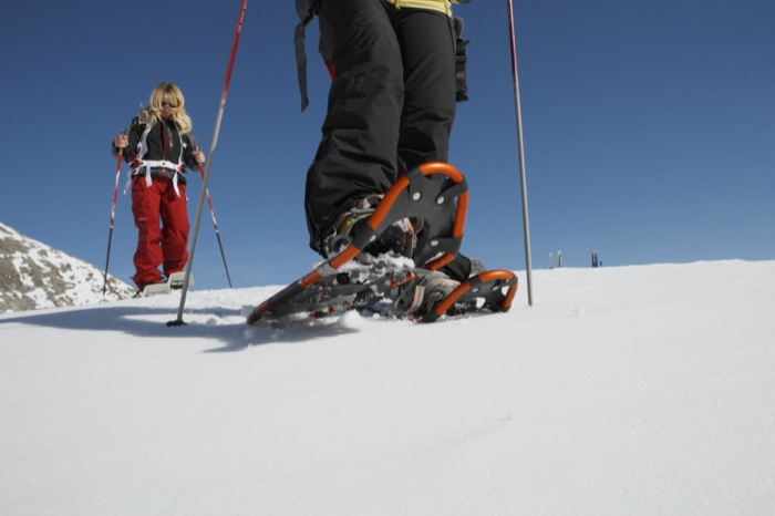 Slittino, curling e ciaspolate. Il pranzo a 5 stelle al Vigilius Mountain Resort (sul Monte San Vigilio ) è servito