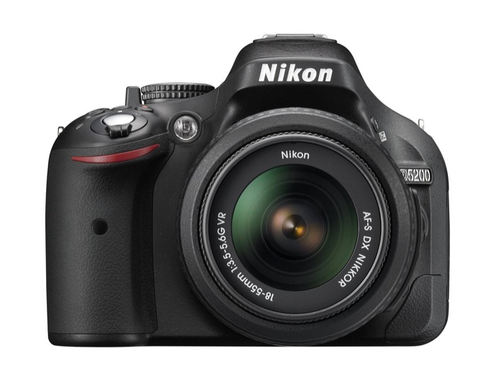 Nikon D5200: I AM YOUR CREATIVE EYE. 24 milioni di pixel, video full HD e monitor ad angolazione variabile