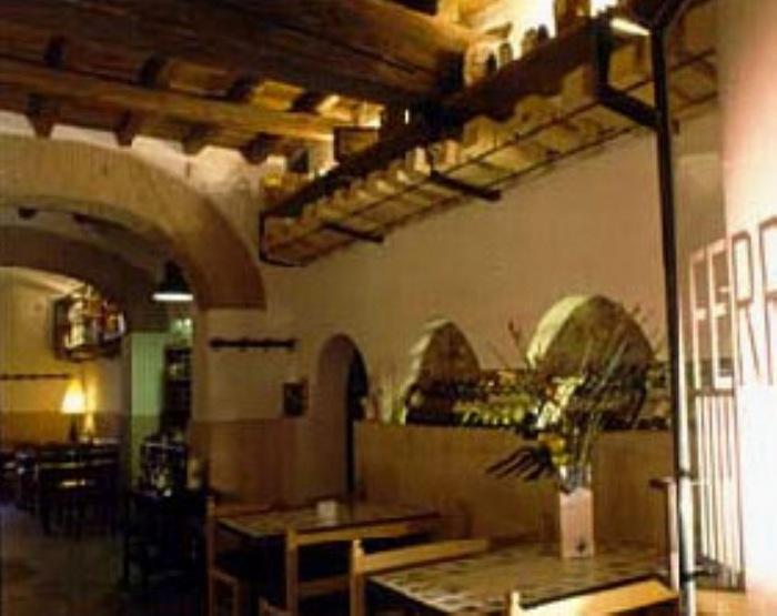 Il ristorante gourmet L'Enoteca Ferrara fa un giro del pianeta inseguendo la mezzanotte nel mondo…