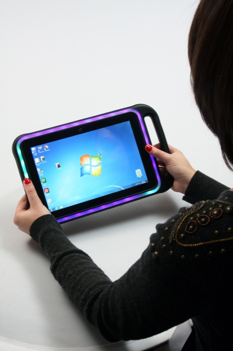 CARBON X220G – A new windows-based tablet from X2 computing lights up the electronic bingo market