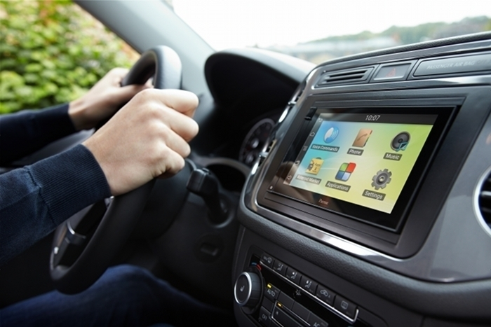Parrot presenta Parrot ASTEROID, la nuova gamma di soluzioni automotive disponibile nel 2013