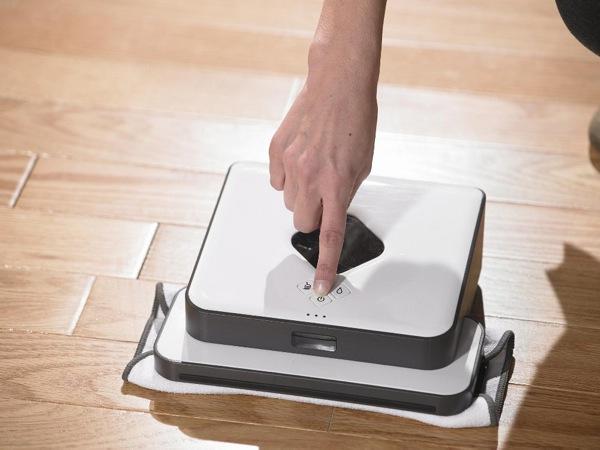iRobot lancia Braava il nuovo robot domestico per la pulizia dei pavimenti. Una nuova categoria di robot domestici arricchisce la gamma iRobot