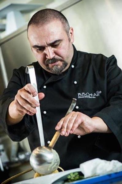 Gianfranco Lo Cascio, chef di Weber, insegna l'arte del barbecue