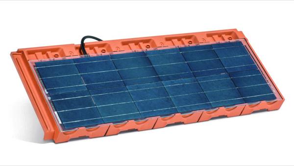 """Wegalux presenta la Marsigliese """"Penta"""": il nuovo sistema fotovoltaico a 5 moduli in uno per la completa integrazione architettonica dei tetti a falda"""